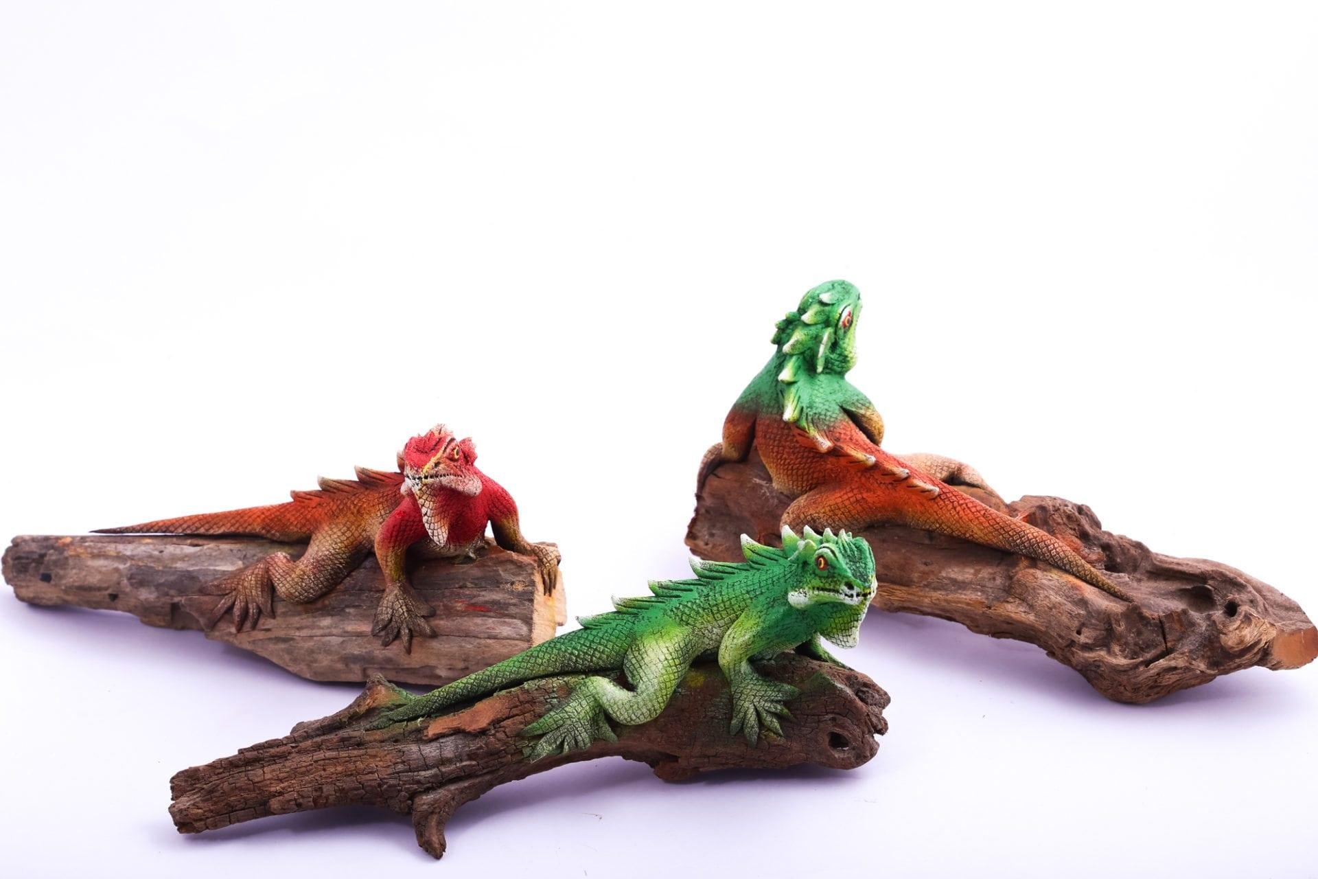 Sawdust Iguana Figurines
