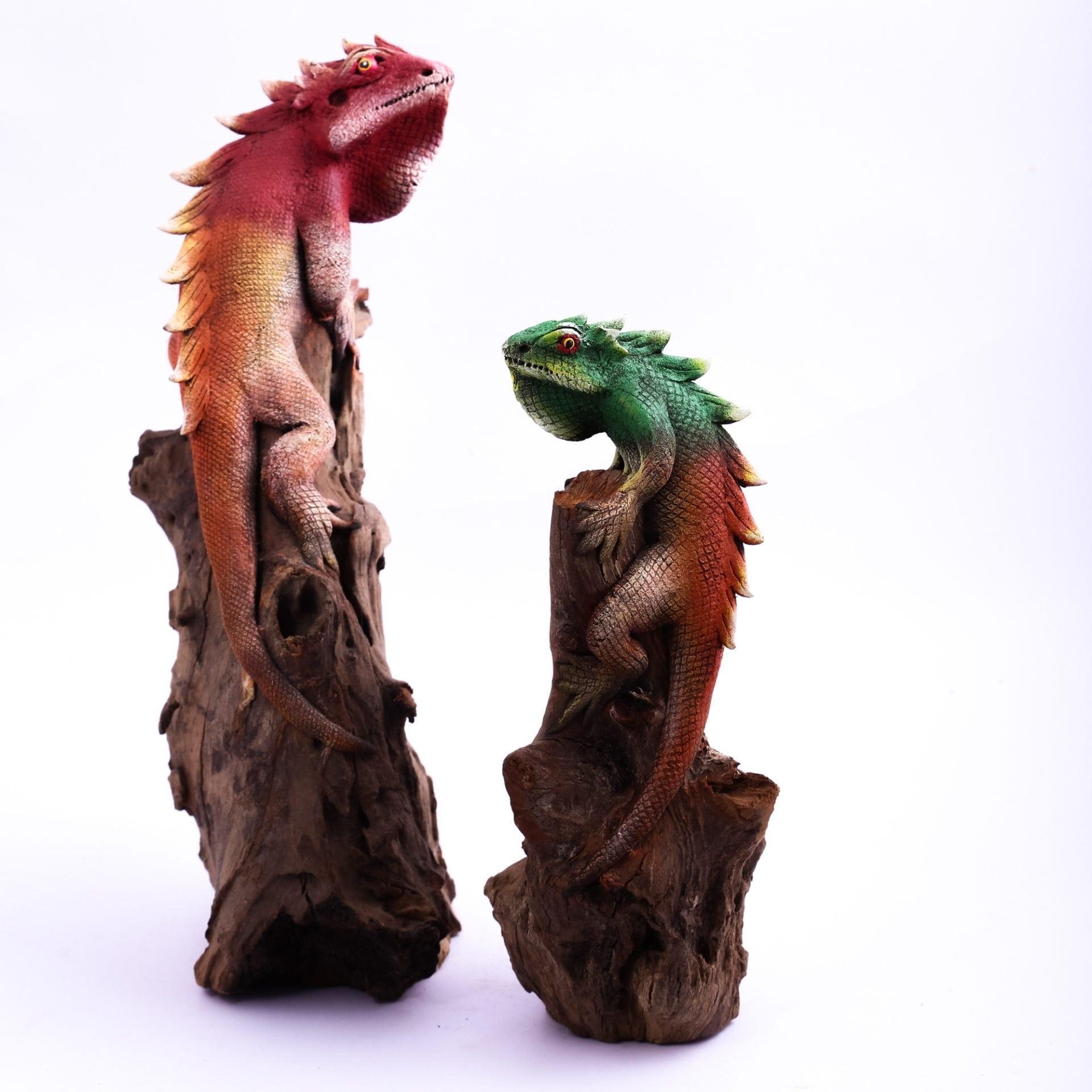 Sawdust Iguana On Wood Figurines