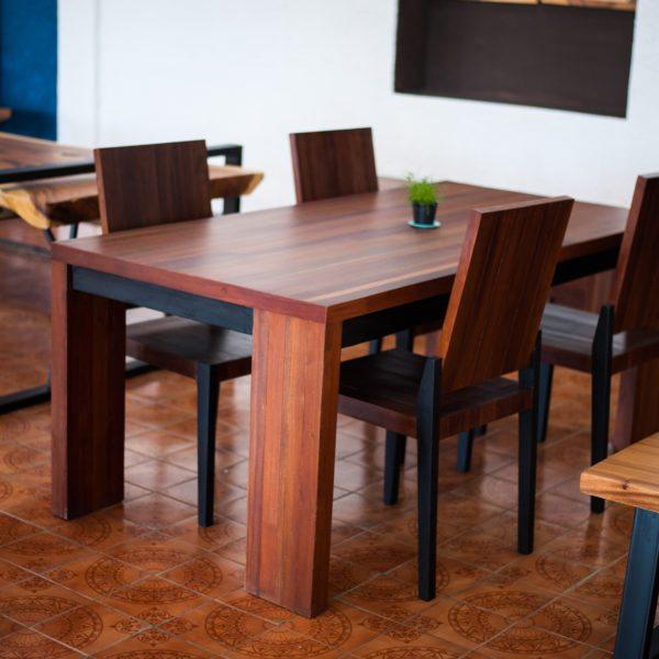 Dining Table AR 018