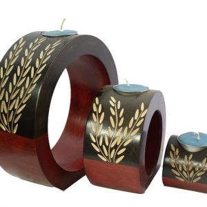 Mango Wood Round Candle Holder Set with leaf pattern