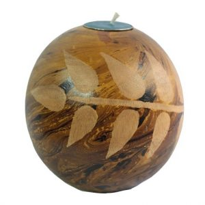 Thailand Handicrafts Wholesale Mango Wood Round Candle Holder with leaf pattern
