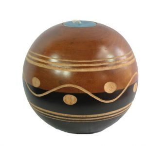 Chiang Mai Handicrafts Wholesale Mango Wood Round Candle Holder with spots pattern