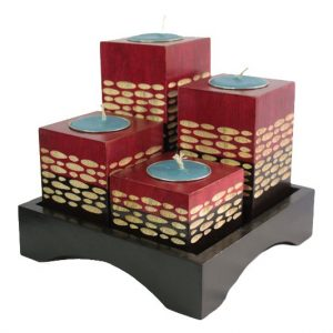 Chiang Mai Handicrafts Wholesale Mango Wood Squares Candle Holder Set with spots pattern