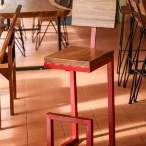 Thailand handicrafts Wholesale Suar wood bar chair