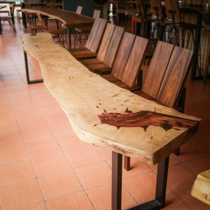 Chiang Mai handicraft wholesale suar wood dining table and chairs