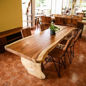 Thailand handicraft wholesale set suar wood large dining table and chairs