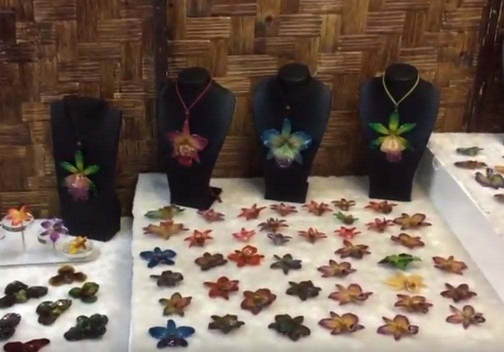 Real Flower Jewelry Wholesale Tutorial: How to Display and Sell Fashion Jewelry Made of Real Orchids