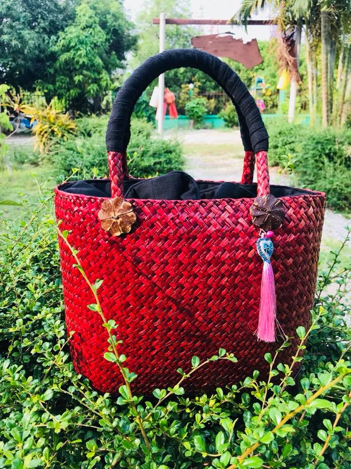 Thailand handicrafts Wholesale Bamboo Handbag in red color