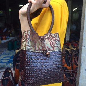 Brown bulrush handbag wholesale with elephant pattern