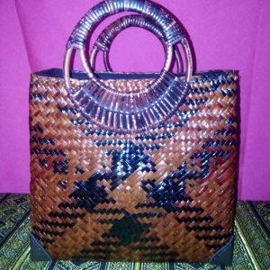 Brown wicker handbag wholesale with Checkered pattern