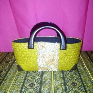 Bฺlue rattan handbag wholesale with lined pattern