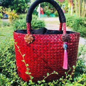 Thailand handicrafts Wholesale Bamboo Handbag in red color